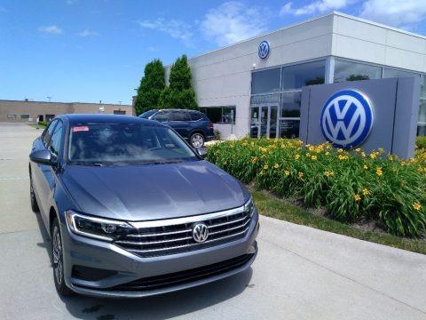 Platinum Gray Metallic 2020 Volkswagen Jetta SEL