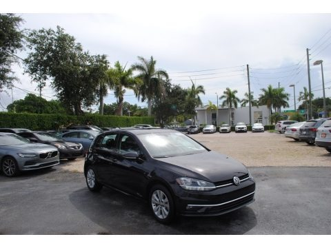 Deep Black Pearl 2019 Volkswagen Golf SE
