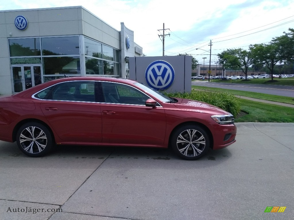 2020 Passat SEL - Aurora Red Metallic / Titan Black photo #2