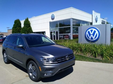 Platinum Gray Metallic 2020 Volkswagen Tiguan SEL 4MOTION