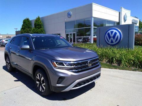 Platinum Gray Metallic 2020 Volkswagen Atlas Cross Sport SE 4Motion