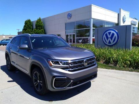 Platinum Gray Metallic 2020 Volkswagen Atlas Cross Sport SE Technology 4Motion