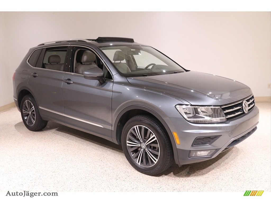 2018 Tiguan SEL 4MOTION - Platinum Gray Metallic / Storm Gray photo #1
