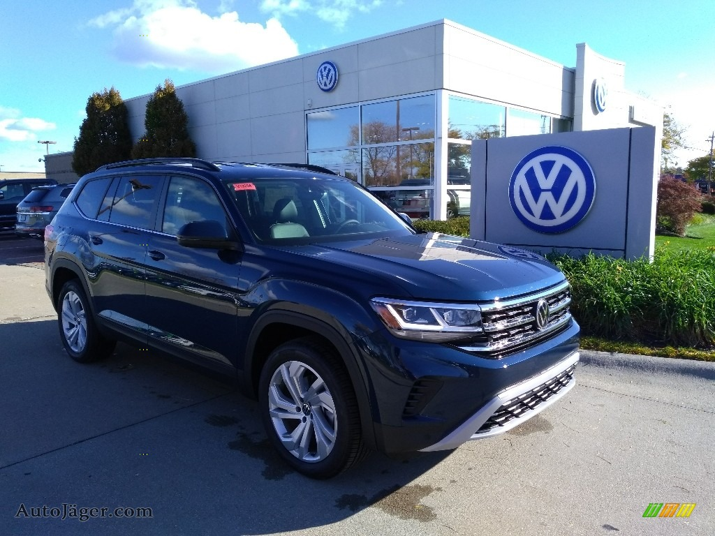 Tourmaline Blue Metallic / Titan Black Volkswagen Atlas SE 4Motion