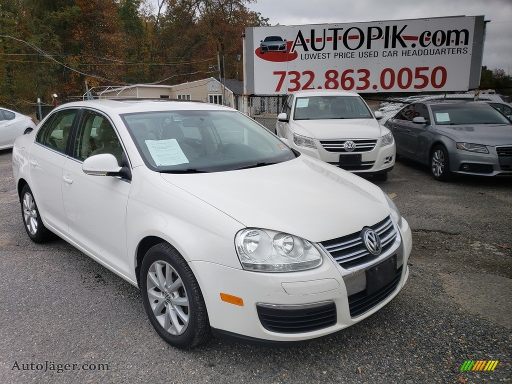 2010 Jetta SE Sedan - Candy White / Cornsilk Beige photo #1
