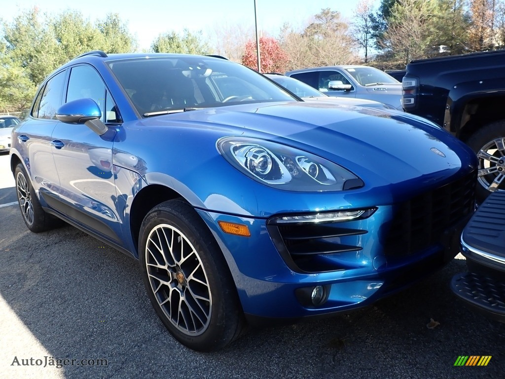 2018 Macan S - Sapphire Blue Metallic / Black photo #2