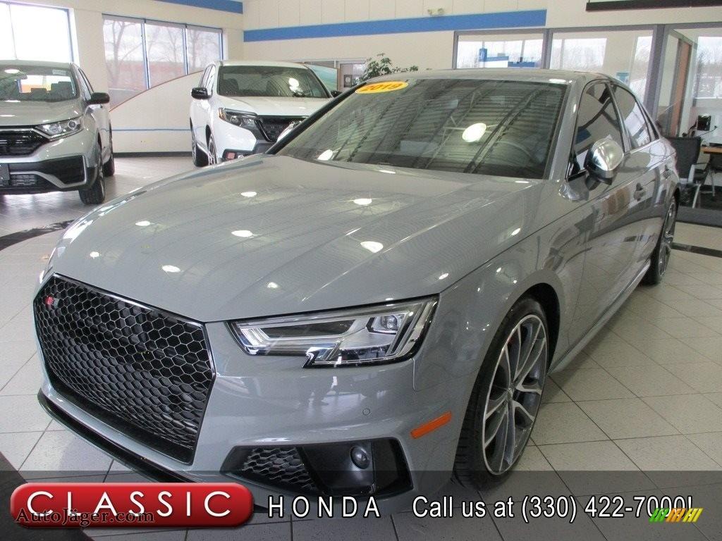 Quantum Gray / Black Audi S4 Premium Plus quattro
