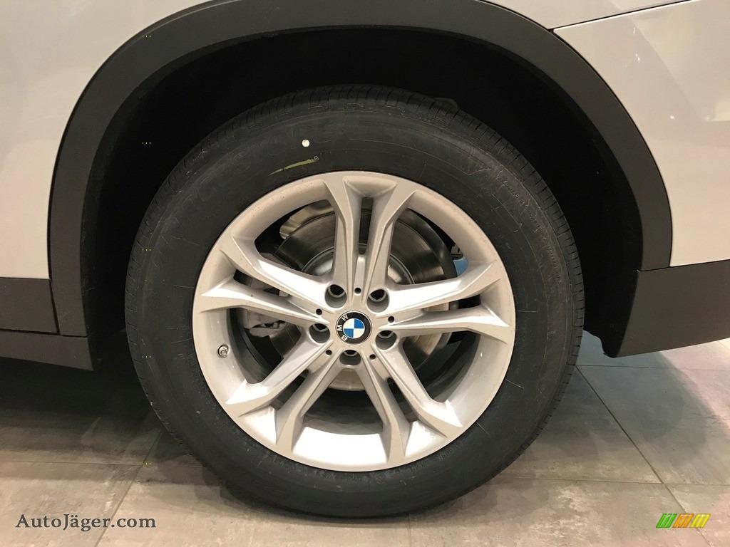 2021 X3 xDrive30i - Glacier Silver Metallic / Black photo #5
