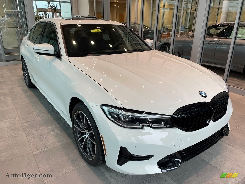 Alpine White / Black BMW 3 Series 330i xDrive Sedan