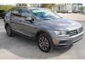 Volkswagen Tiguan SE Platinum Gray Metallic photo #2