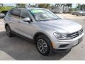 Volkswagen Tiguan SE Pyrite Silver Metallic photo #2