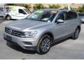 Volkswagen Tiguan SE Pyrite Silver Metallic photo #4
