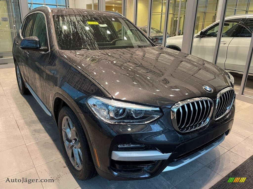 2021 X3 xDrive30i - Dark Graphite Metallic / Black photo #1