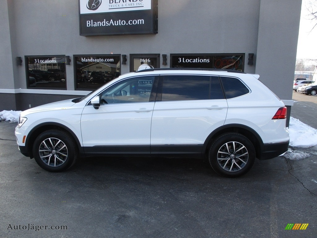 2020 Tiguan SE 4MOTION - Pure White / Titan Black photo #1