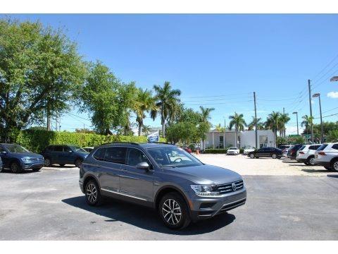 Platinum Gray Metallic 2020 Volkswagen Tiguan SE