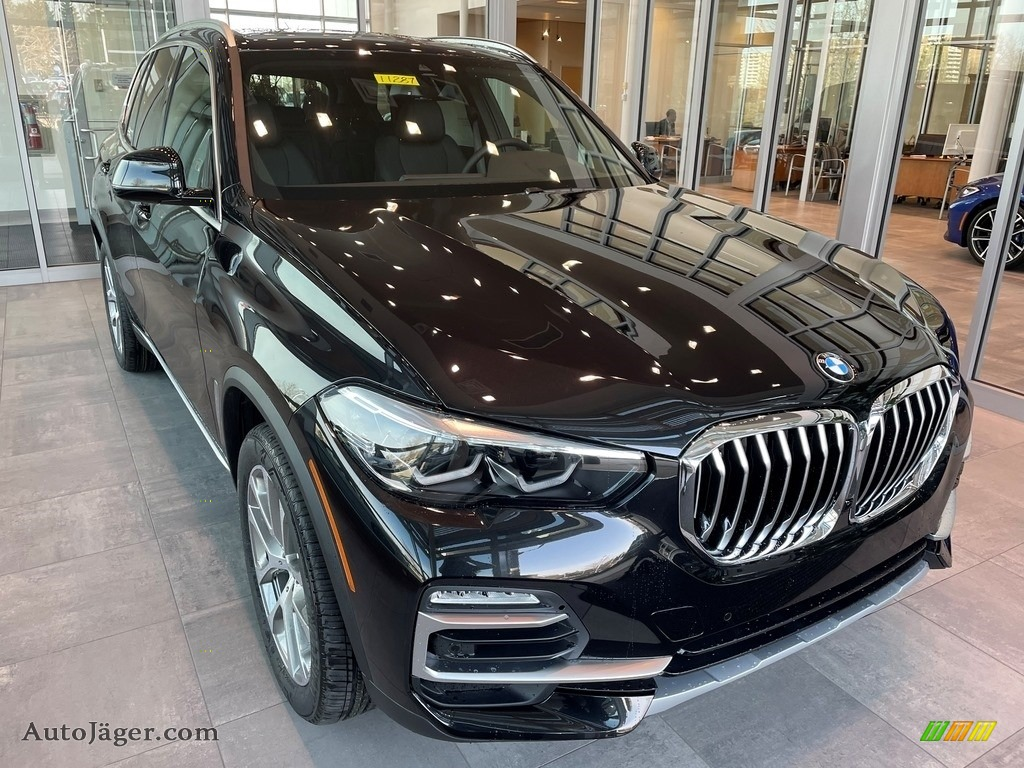 2021 X5 xDrive40i - Black Sapphire Metallic / Black photo #1
