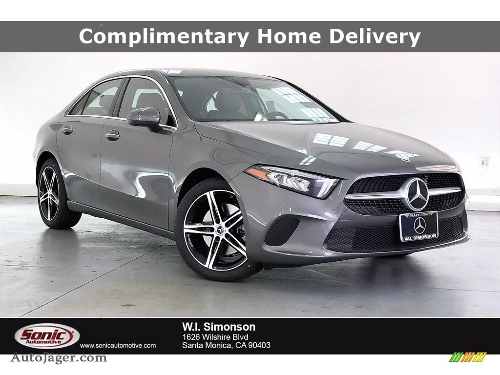 Mountain Grey Metallic / Black Mercedes-Benz A 220 Sedan