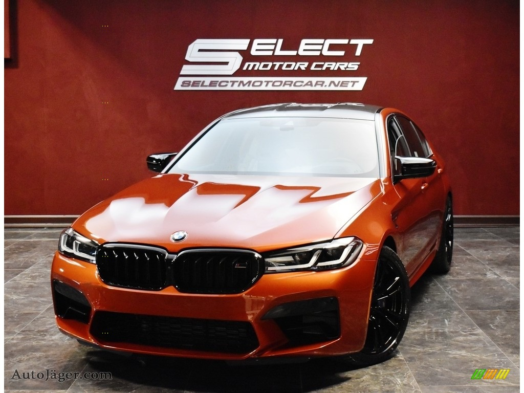 2021 M5 Sedan - Motegi Red Metallic / Smoke White/Black photo #1
