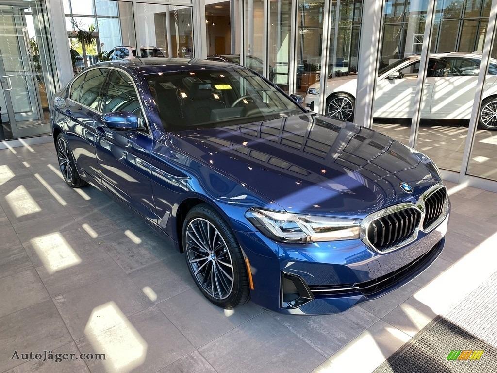 2022 5 Series 540i xDrive Sedan - Phytonic Blue Metallic / Black photo #1