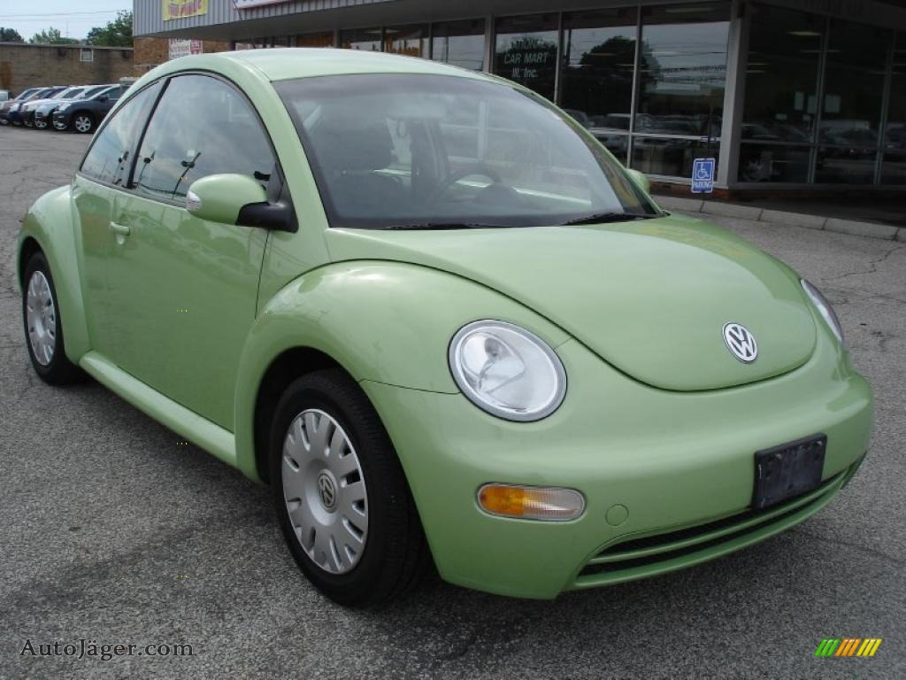 2005 volkswagen new beetle gl coupe in cyber green green volkswagen beetle pictures green volkswagen beetle plastic toy car #45