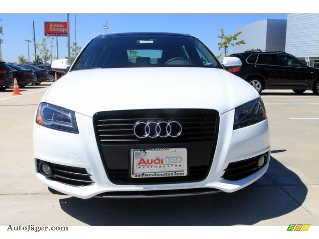 2011 Audi A3 2.0 TFSI in Ibis White photo #2 - 036697 | Auto Jäger ...