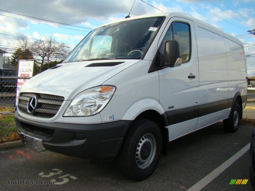 2010 mercedes benz sprinter 2500 cargo van in arctic white for Mercedes benz sprinter cargo van