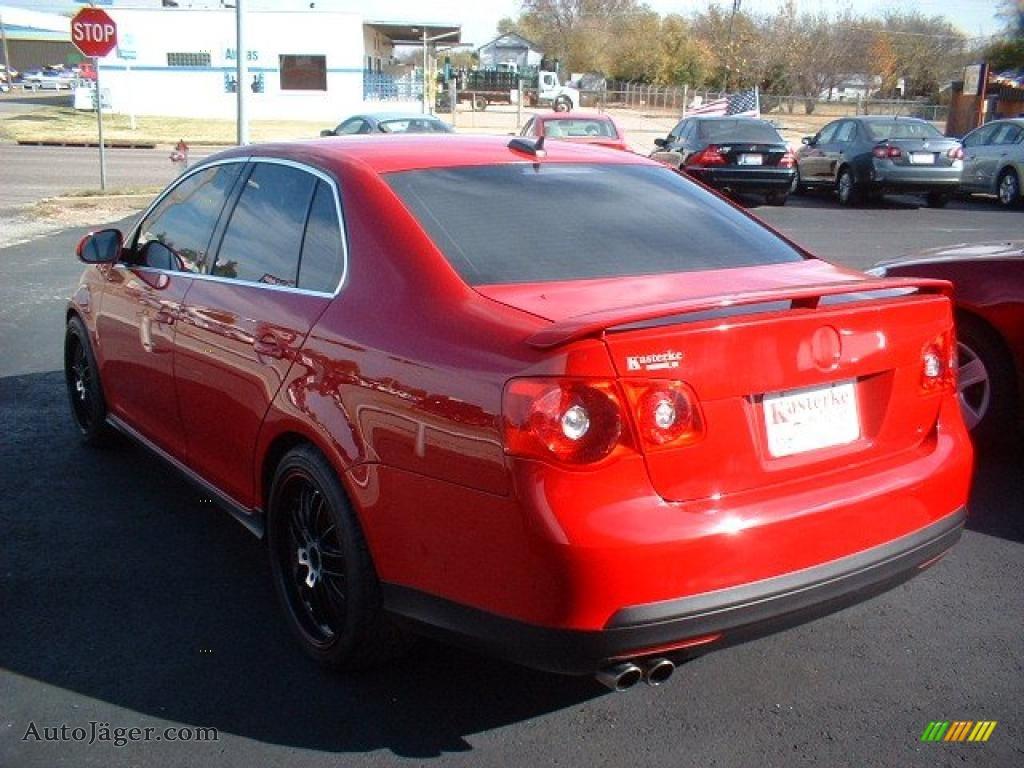 2006 volkswagen jetta gli sedan in salsa red photo 5. Black Bedroom Furniture Sets. Home Design Ideas