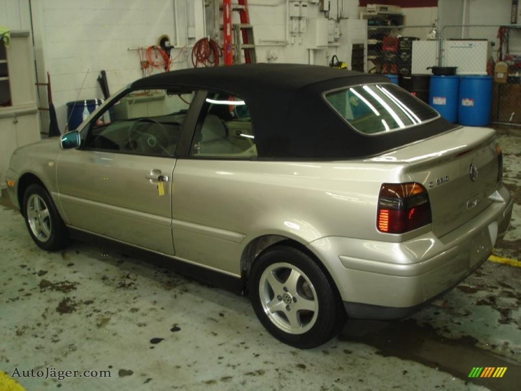 Desert wind beige beige volkswagen cabrio gls