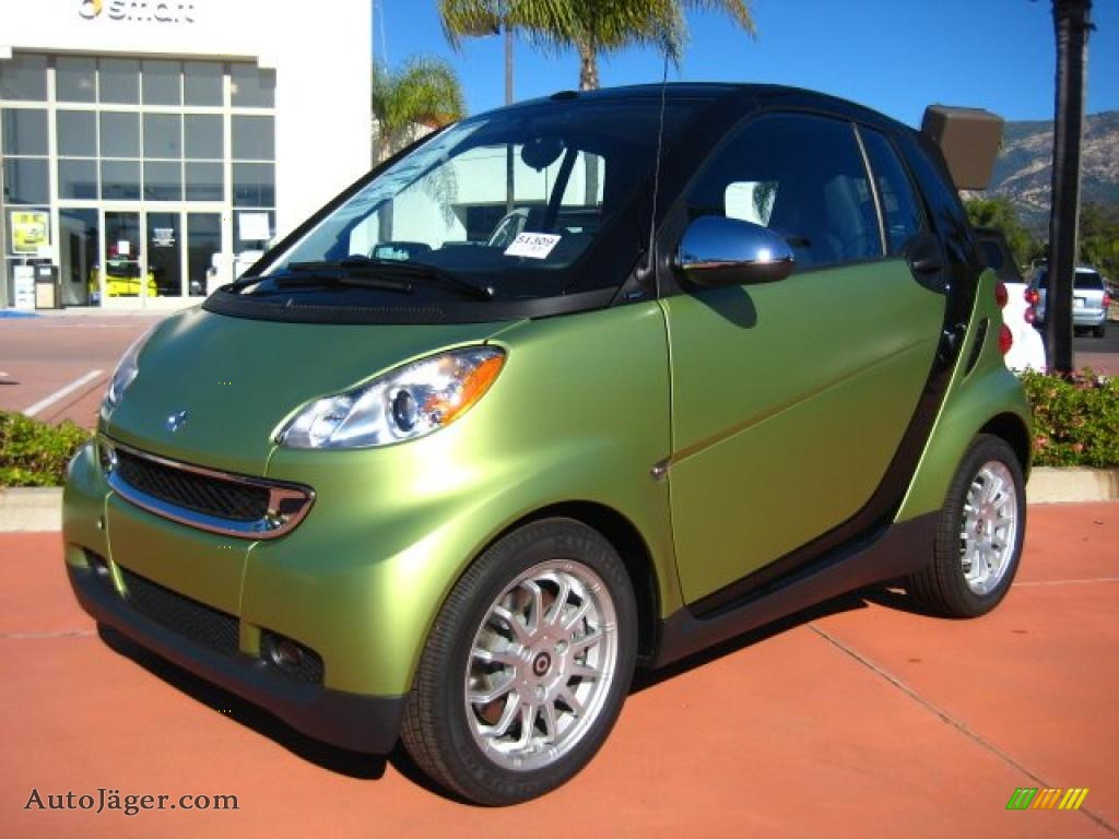 2011 smart fortwo passion cabriolet in green matte. Black Bedroom Furniture Sets. Home Design Ideas