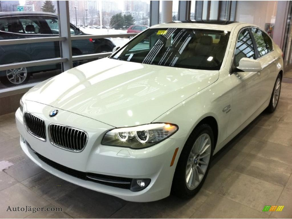 2011 bmw 5 series 535i xdrive sedan in alpine white. Black Bedroom Furniture Sets. Home Design Ideas