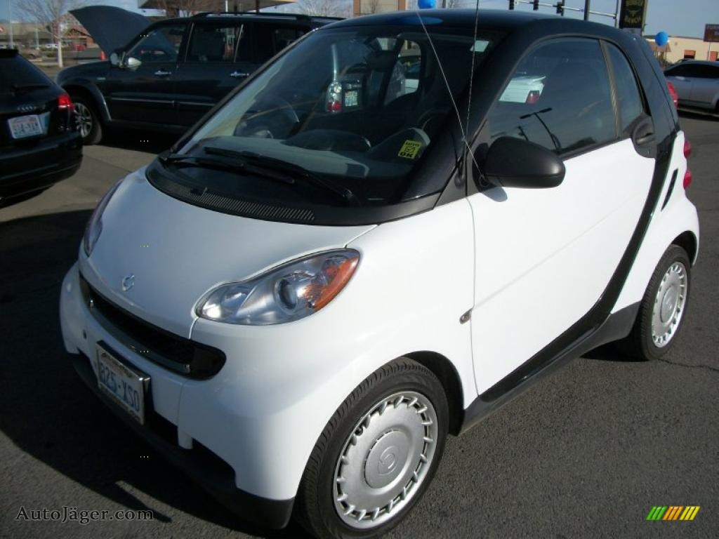 2008 smart fortwo pure coupe in crystal white photo 11. Black Bedroom Furniture Sets. Home Design Ideas