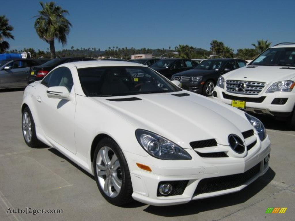 2011 Mercedes Benz Slk 300 Roadster In Arctic White