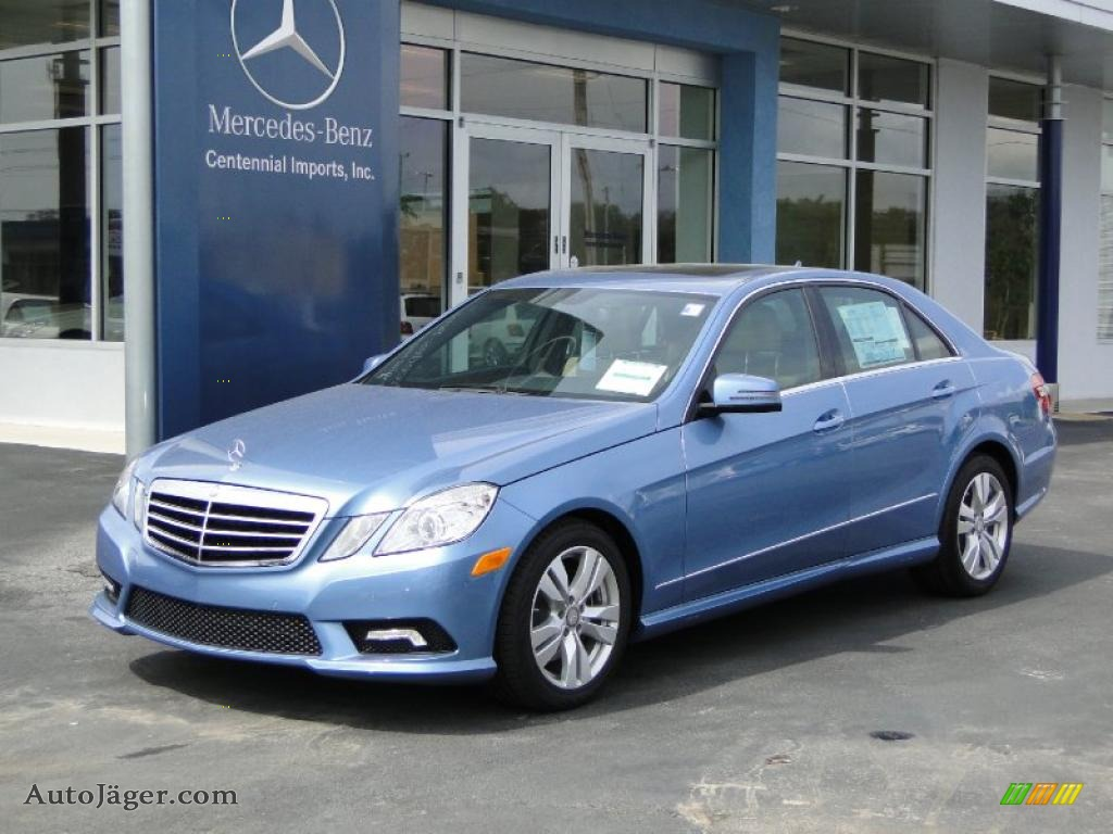 2011 mercedes benz e 350 sedan in quartz blue metallic for Mercedes benz sedan