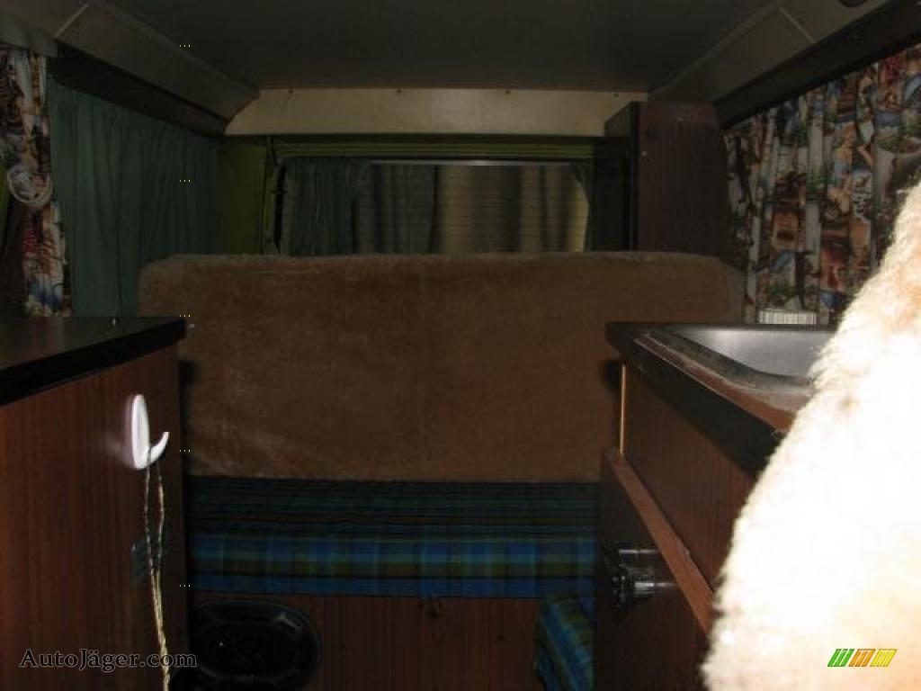 1974 volkswagen bus t2 camper van in light green photo 26 for Green light motors fremont