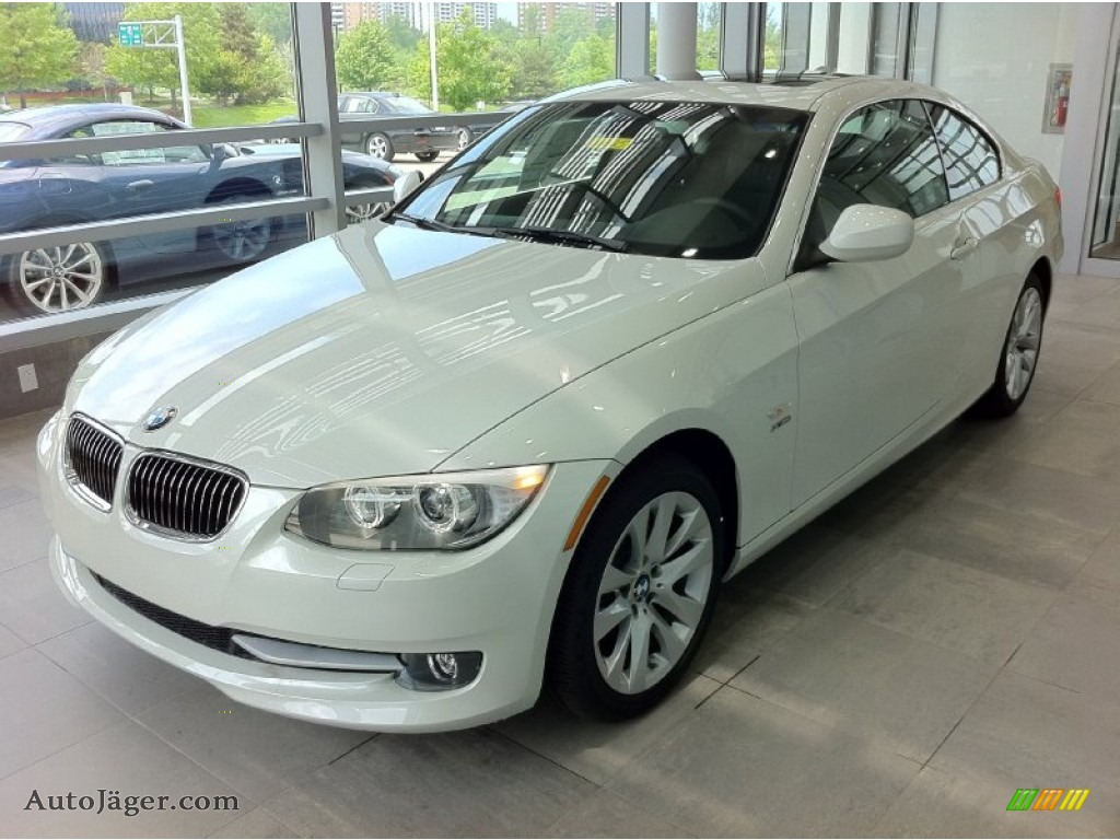 BMW Series I XDrive Coupe In Mineral White Metallic - 2011 bmw 328i xdrive coupe