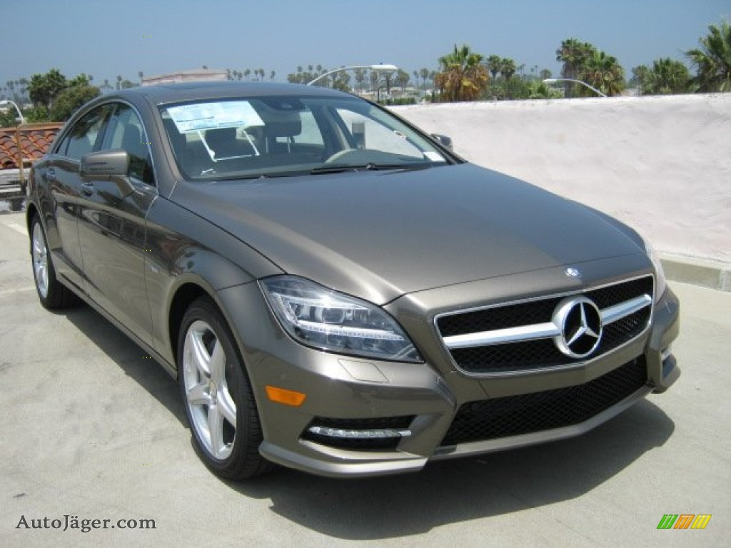 car mercedes cla 250 html with 51989105 2 on 86118993 moreover 2017 Mercedes Benz Cla 250 4matic 83093 also 514460 Blacked Out My Grill likewise 51989105 2 also 2014 Porsche 911 Turbo Pictures 26052.