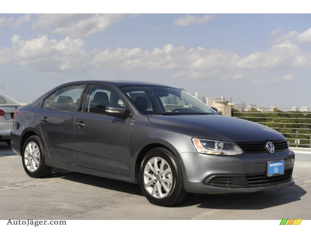 2012 volkswagen jetta se sedan in platinum gray metallic 002821 auto j ger german cars for. Black Bedroom Furniture Sets. Home Design Ideas