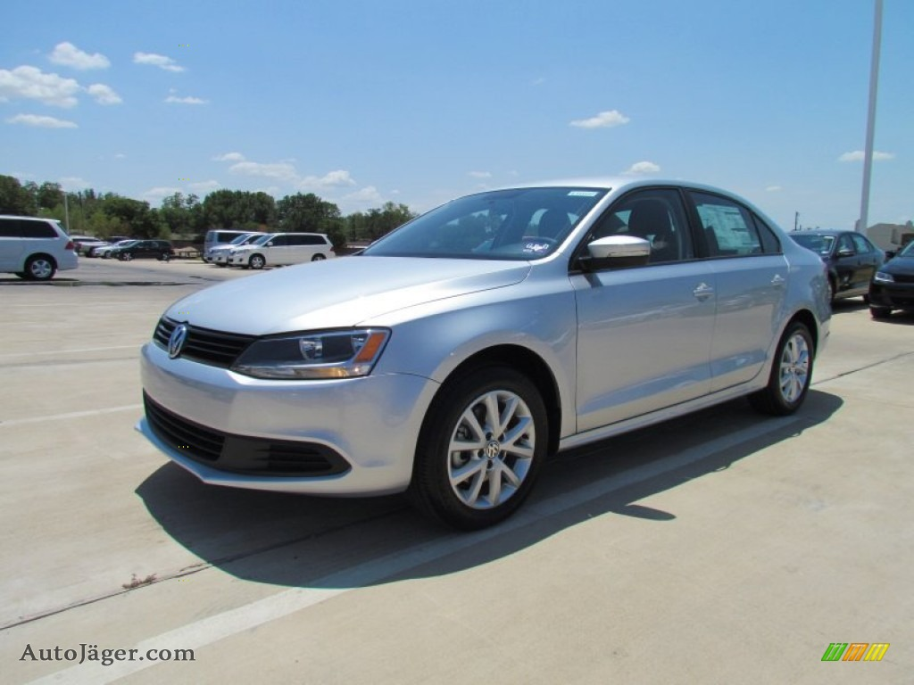 2012 volkswagen jetta se sedan in white gold metallic 018399 auto j ger german cars for. Black Bedroom Furniture Sets. Home Design Ideas