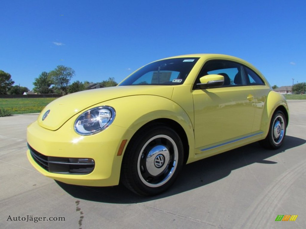 2012 volkswagen beetle 2 5l in saturn yellow 611175 auto j ger german cars for sale in the us. Black Bedroom Furniture Sets. Home Design Ideas
