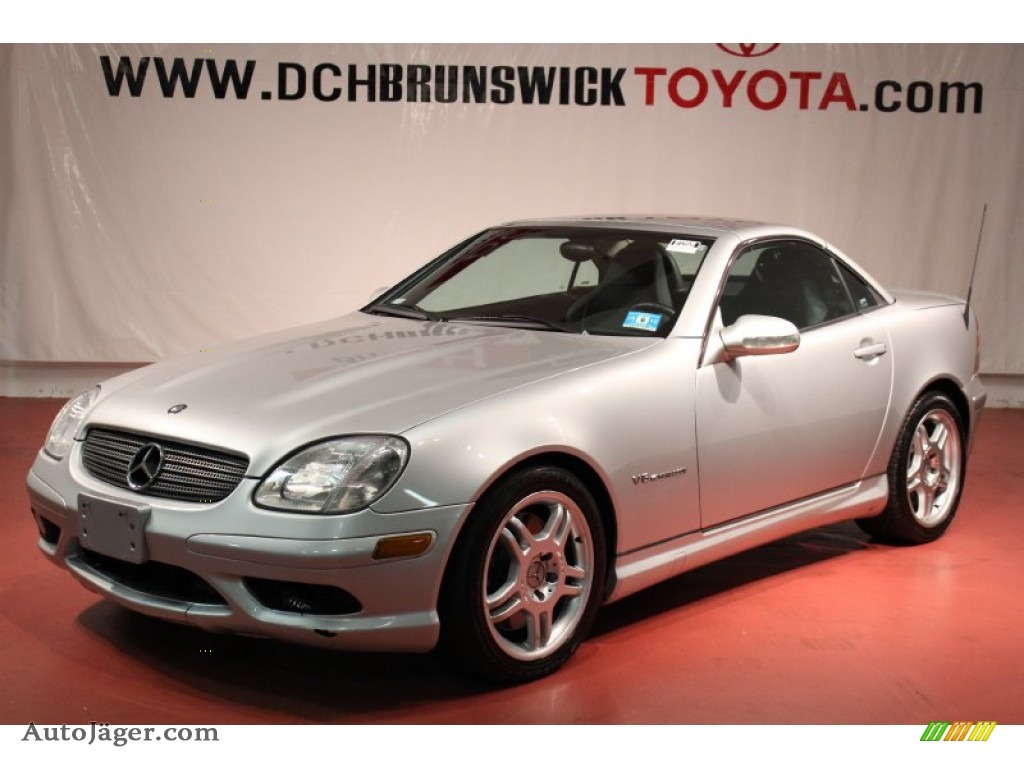 2004 mercedes benz slk 32 amg roadster in brilliant silver metallic 307134 auto j ger. Black Bedroom Furniture Sets. Home Design Ideas