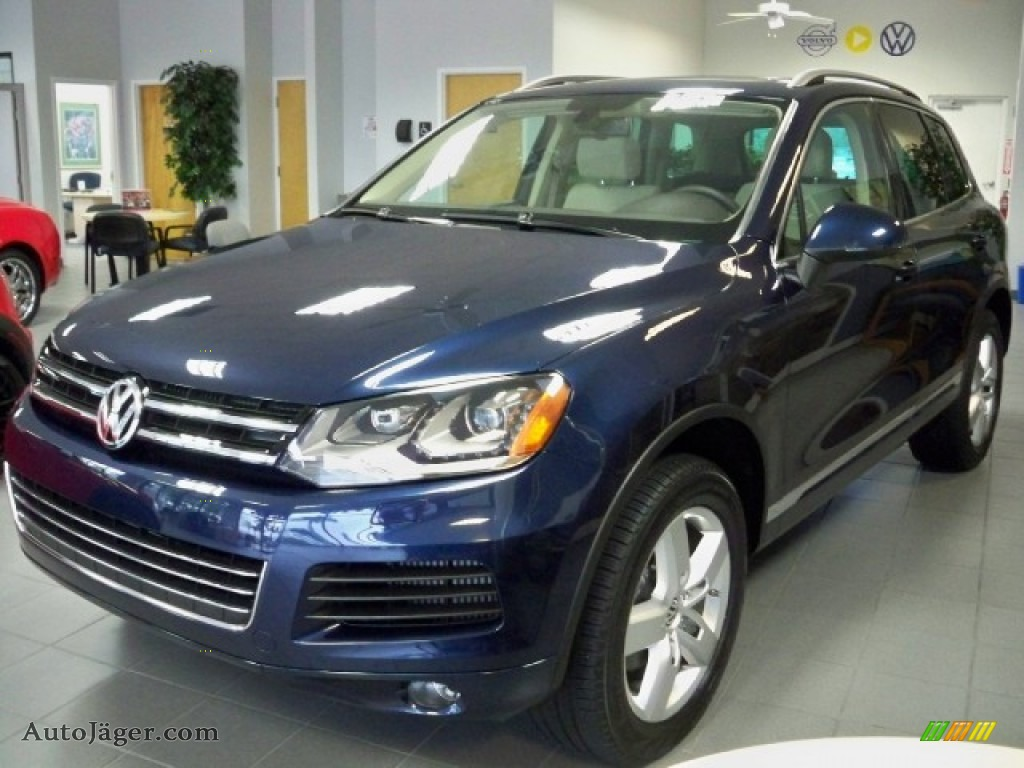 2011 Volkswagen Touareg Tdi Lux 4xmotion In Night Blue Metallic Photo 4 001571 Auto Jager German Cars For Sale In The Us