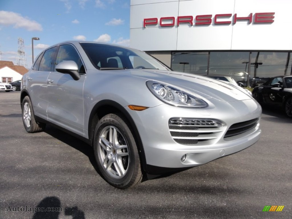 2012 porsche cayenne in classic silver metallic a06377 auto j ger german cars for sale in. Black Bedroom Furniture Sets. Home Design Ideas