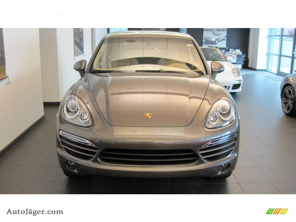 2012 Porsche Cayenne In Meteor Grey Metallic A05703
