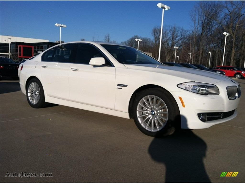 2012 bmw 5 series 535i xdrive sedan in alpine white. Black Bedroom Furniture Sets. Home Design Ideas