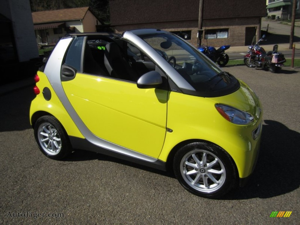 2008 smart fortwo passion cabriolet in light yellow 196012 auto j ger german cars for sale. Black Bedroom Furniture Sets. Home Design Ideas