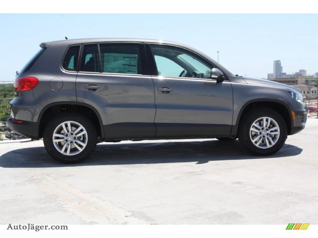 2012 Volkswagen Tiguan Le In Pepper Gray Metallic Photo 7