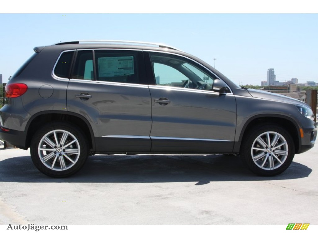 2012 Volkswagen Tiguan Se In Pepper Gray Metallic Photo 7