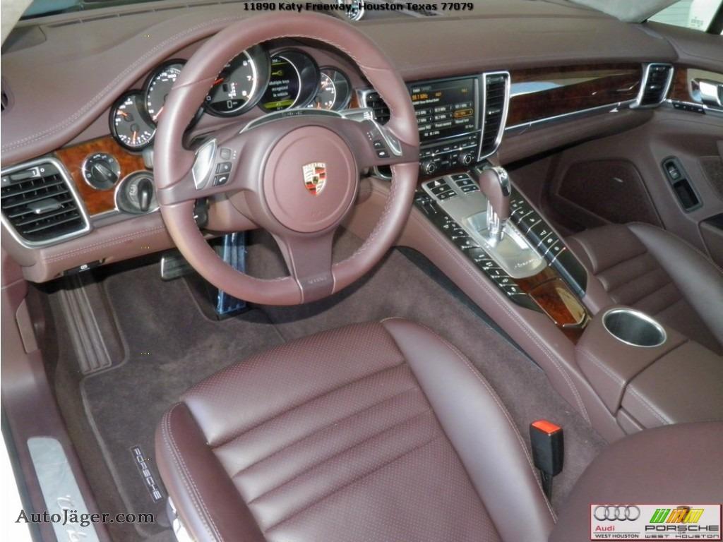 2012 panamera turbo carrara white marsala red photo 8 - Porsche Panamera White Red Interior