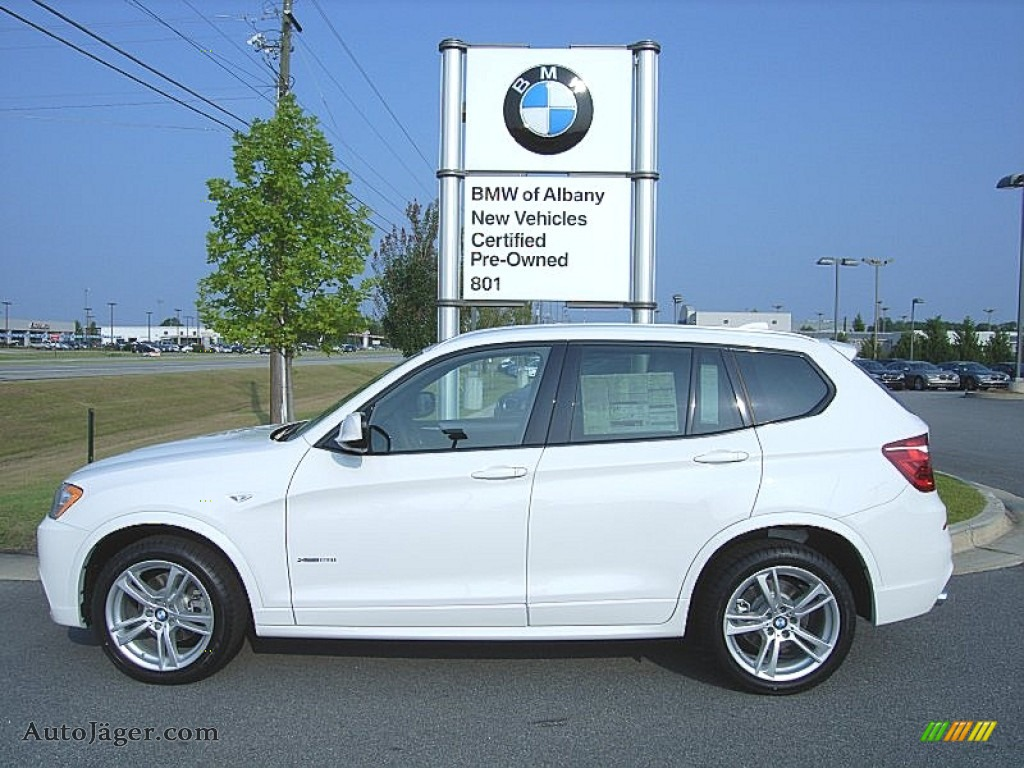 Alpine White / Black BMW X3 xDrive 28i