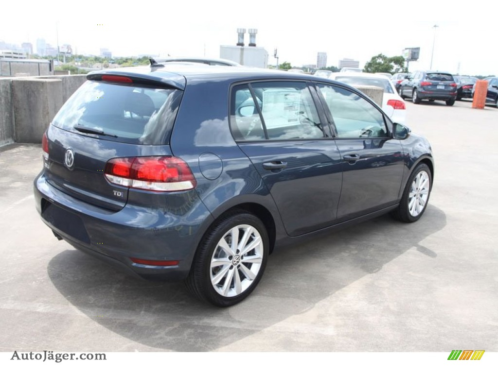 2013 volkswagen golf 4 door tdi in blue graphite metallic photo 8 042758 auto j ger. Black Bedroom Furniture Sets. Home Design Ideas